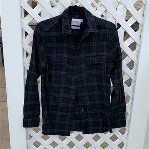 Goodfellow Navy/green plaid button up shirt sz S